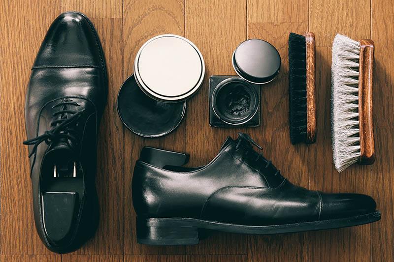 革靴のお手入れセット